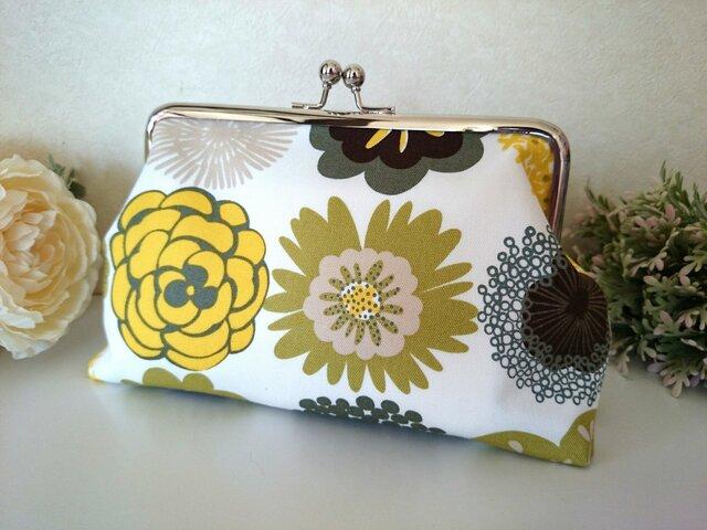 ◆【再販34】北欧オリーブ色の花柄がま口ポーチ*プレゼントや旅行にも◆の画像1枚目