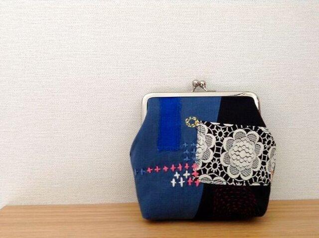 tsugihagi - レトロながま口ポーチ(藍)の画像1枚目