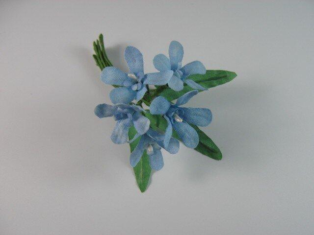 手染めの布花 ブルースターのコサージュ(親子で使えるコサージュ)の画像1枚目