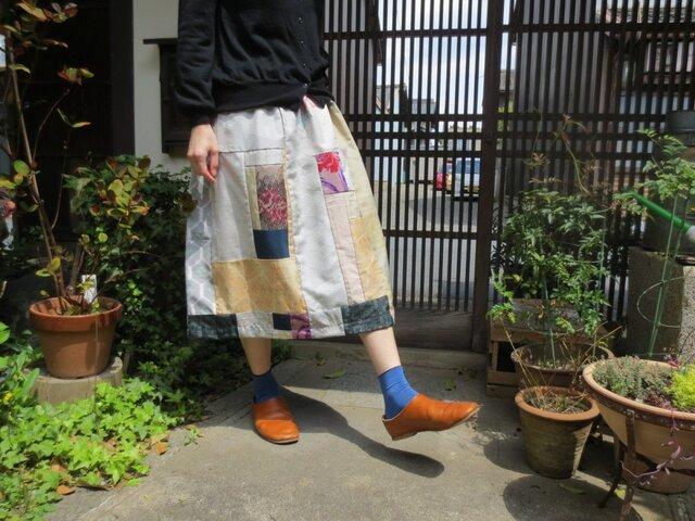 白大島で着物リメイク☆薔薇柄銘仙や紬も色々パッチして夏スカート♪の画像1枚目