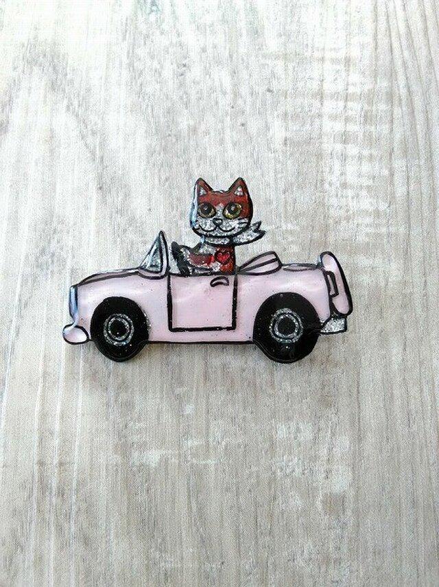 【SALE】猫のピカピカブローチ【車】の画像1枚目