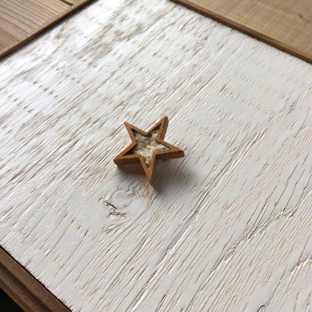 木と裂き織りのブローチ 星02の画像1枚目