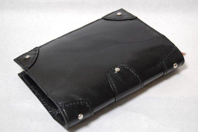 革の鋲付きブックカバー (ブラック:黒)の画像1枚目