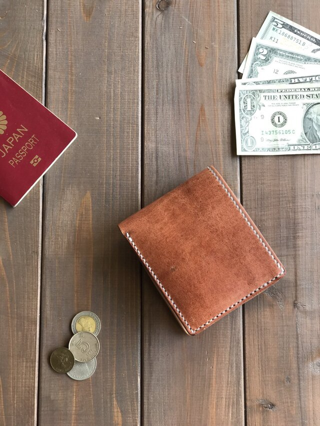 ハーマンオークレザーを使った二つ折り財布の画像1枚目