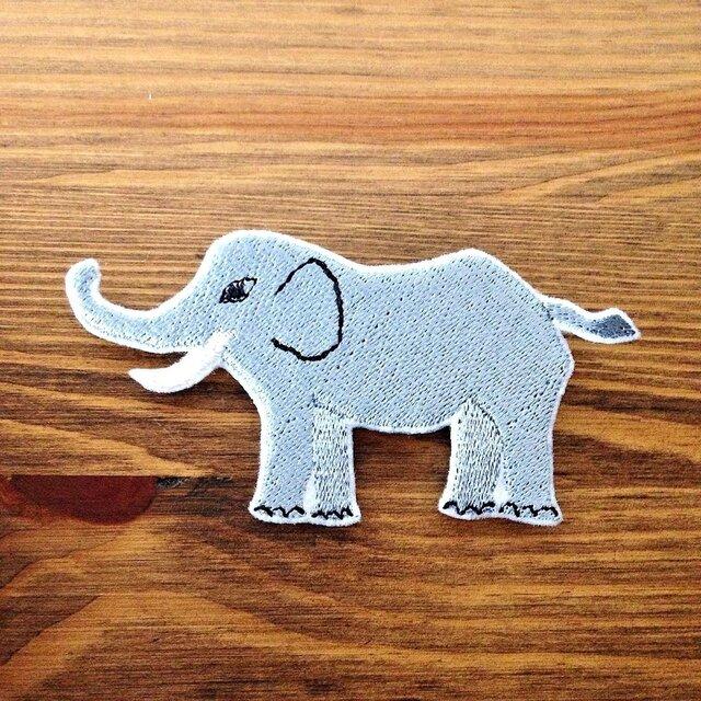 刺繍ブローチ 「ゾウ」の画像1枚目