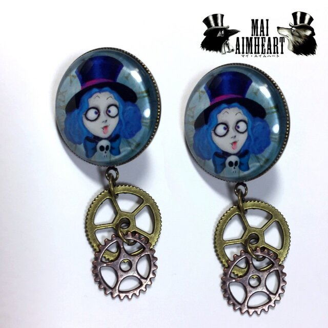 Mad Hatter Girl earringsの画像1枚目