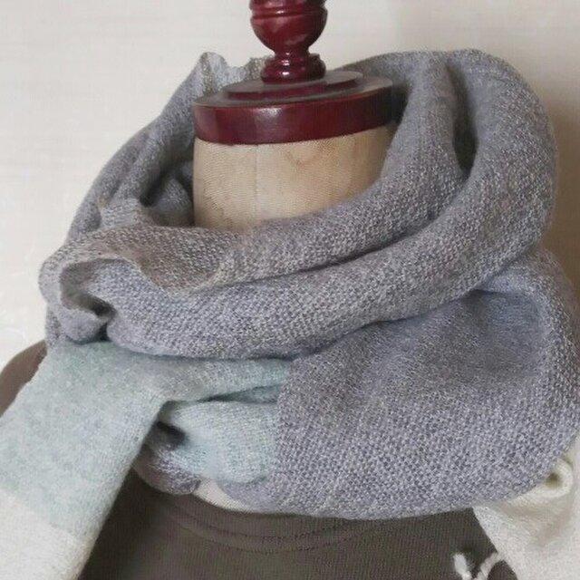 ふんわり軽い手織りカシミヤマフラーの画像1枚目