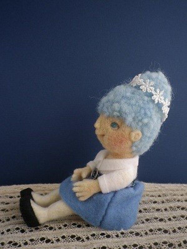 青いスカートの女の子No.001の画像1枚目