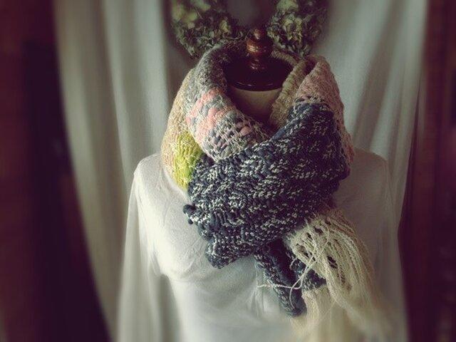 手織り 手紡ぎ糸の柔らかいマフラーの画像1枚目