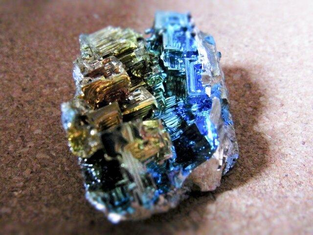 ビスマス結晶 おまけ付き i1の画像1枚目