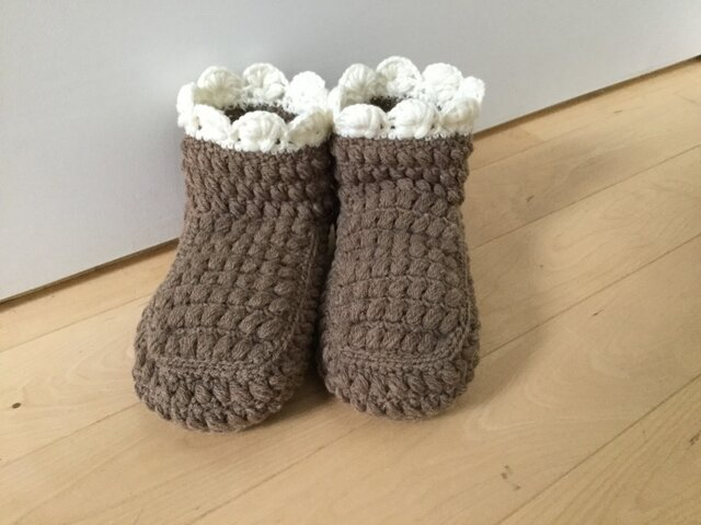 ぽこぽこ玉編みのルームブーツ(ブラウン)の画像1枚目