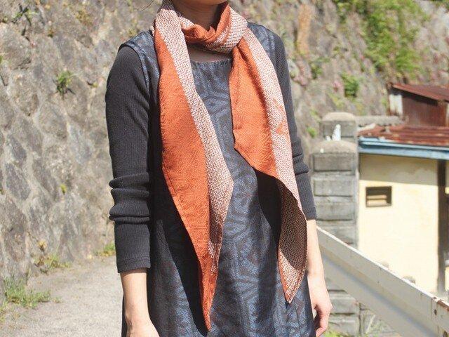 絞りの羽織から作ったナナメストール(茶色)・着物リメイクの画像1枚目