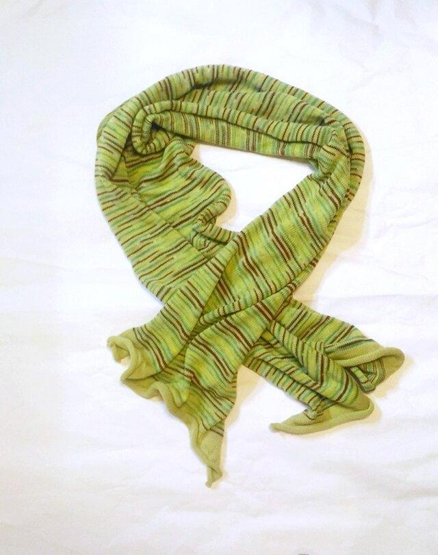 楽!緑色なウールニットマフラーの画像1枚目