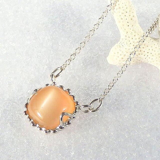 オレンジムーンストーンのネックレスの画像1枚目