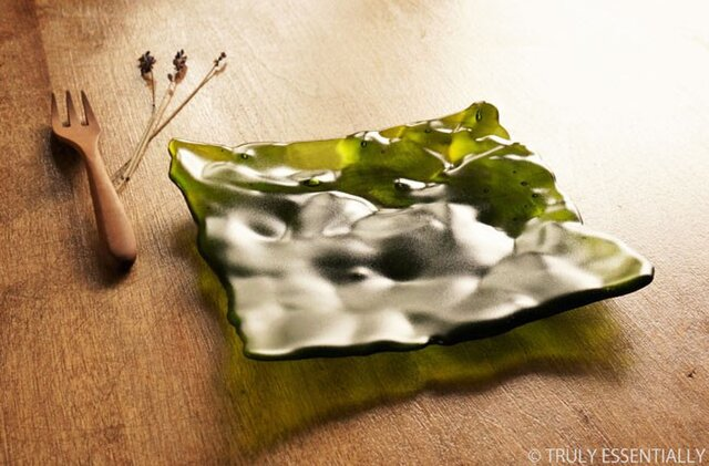 透明ガラスのトレイ - 「みどりのガラス」 ● 16cm・緑・艶消しの画像1枚目