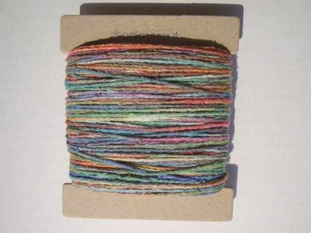 虹色グラデーションシルク糸の画像1枚目