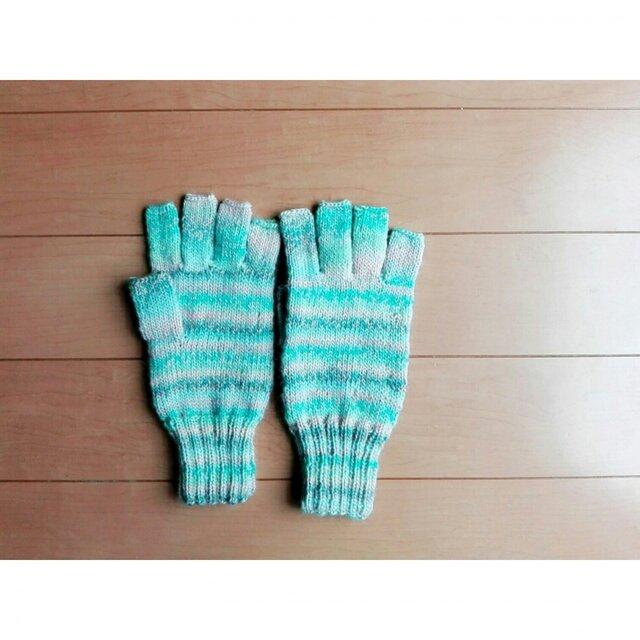 指先ほんのちょっと出の手袋(ウールモヘア)の画像1枚目