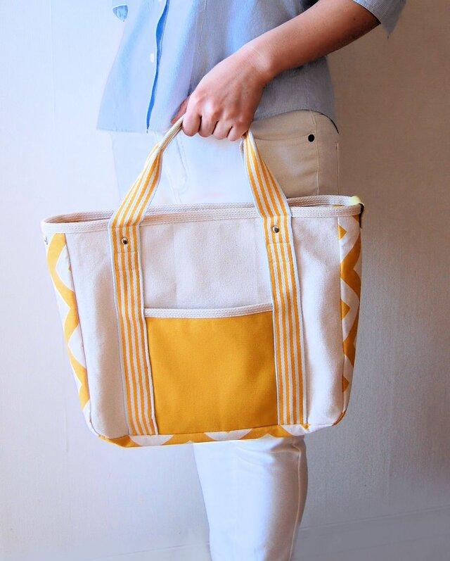 一点モノ!表裏/前後4デザインの帆布トートバッグ(マスタード黄色×シェブロン柄)の画像1枚目