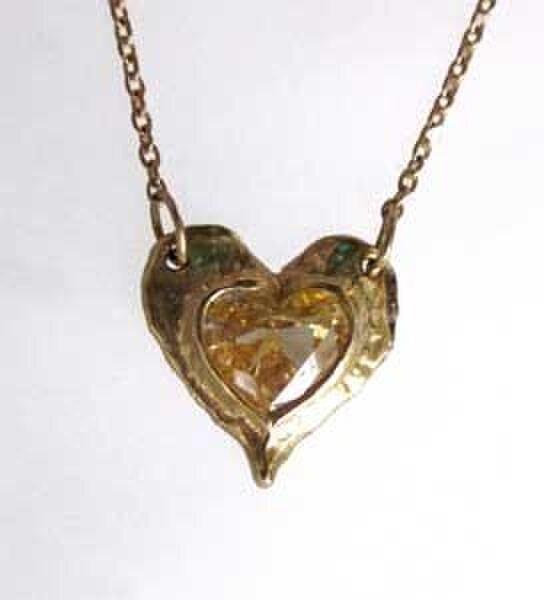 0.49cts大人かわいいハートの形の天然イエロー・ダイヤモンドのネックレスの画像1枚目