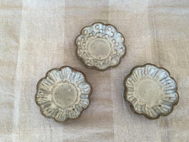 粉引きの花豆皿 3枚セットの画像1枚目