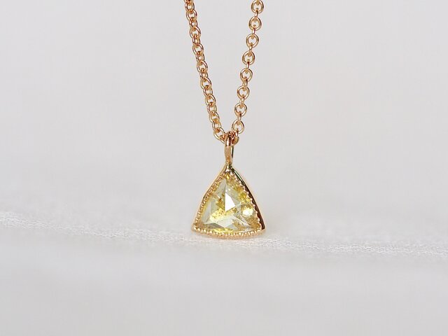 Champagne Yellow Diamond Necklaceの画像1枚目