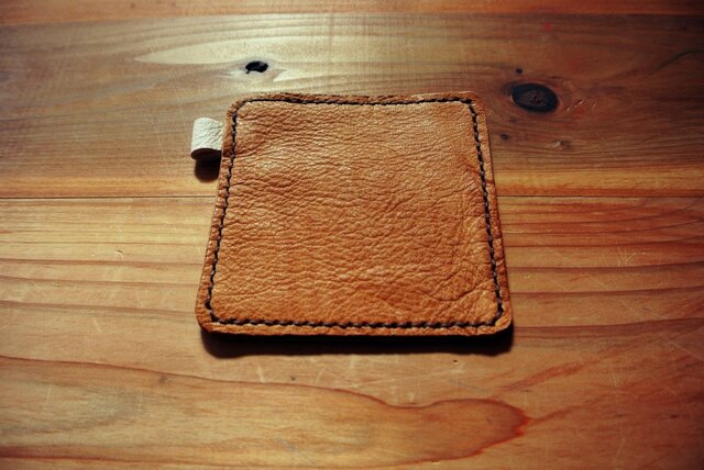 鹿革手縫いのコースターの画像1枚目