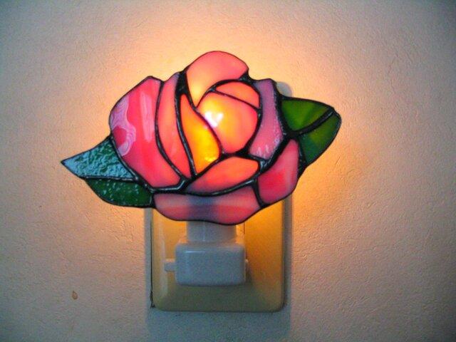 バラの明取りランプ(ピンク色)の画像1枚目