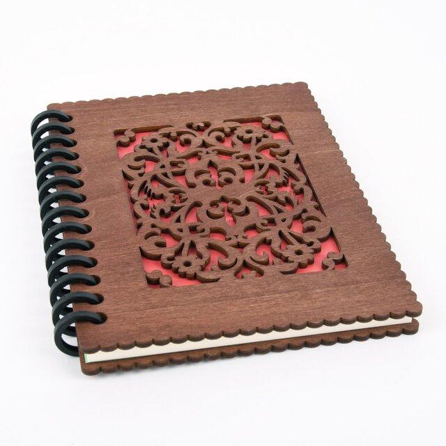 木の表紙のノートブックB 洋風唐草模様(木製ルーズリーフ)の画像1枚目