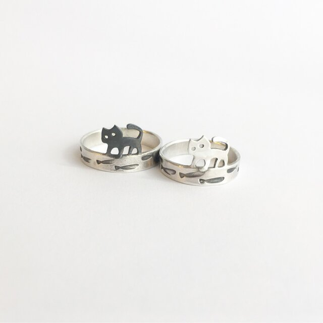 おさかな欲しい 子猫のリング(受注制作品)の画像1枚目