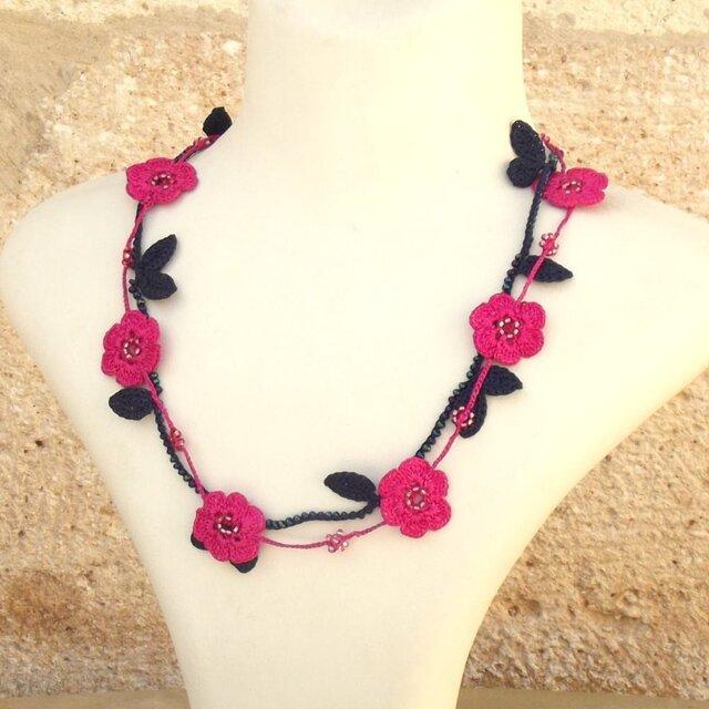 レース編みのネックレス「マリー」ピンクの画像1枚目
