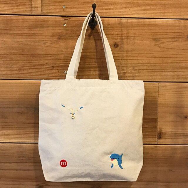イルカ&カモメ 刺繍&チャーム トート(大)の画像1枚目