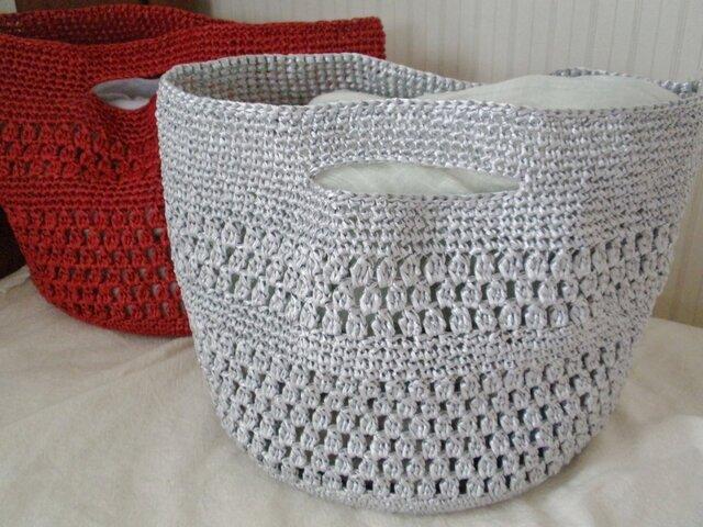 玉編みが可愛いかごバッグ・トート シルバーの画像1枚目