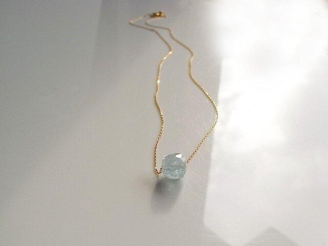 アクアマリン原石1粒ネックレス 10Kイエローゴールドの画像1枚目