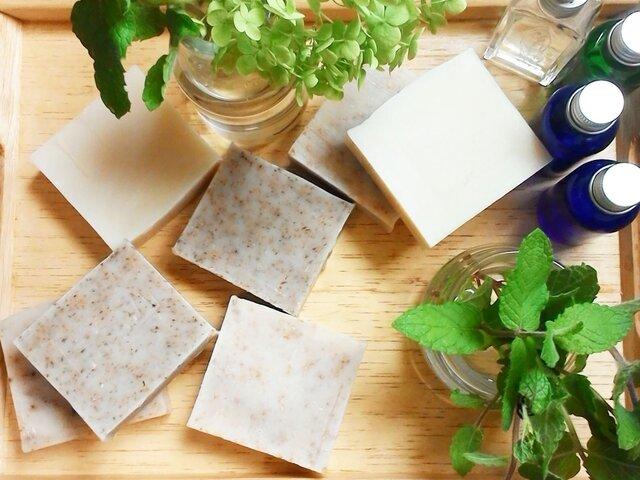 【送料無料|SALE!】ごまスクラブ石鹸|ビタミンEたっぷり|ベージュ・乳白色|つぶつぶ|の画像1枚目