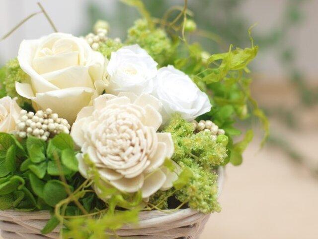 枯れないナチュラルなお供え花の画像1枚目