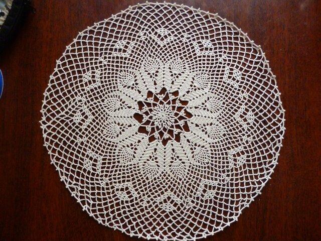手編みレースドイリー33cmの画像1枚目