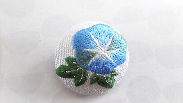 青い朝顔の日本刺繍のブローチの画像1枚目