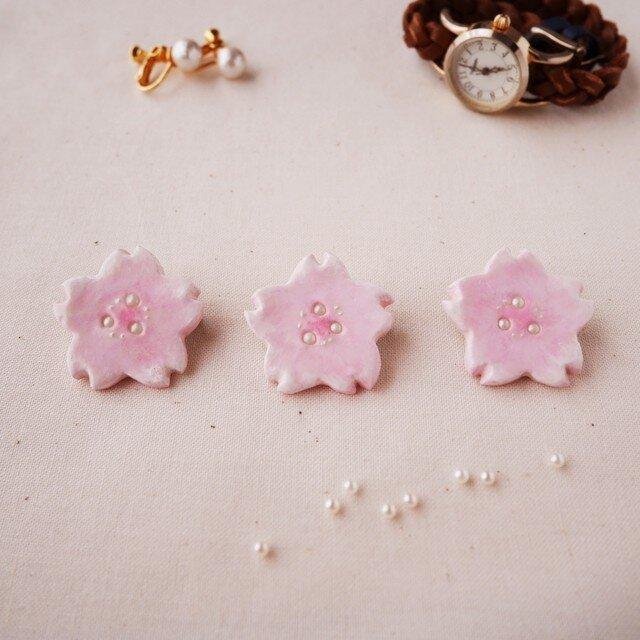 水彩*淡い桜のブローチの画像1枚目