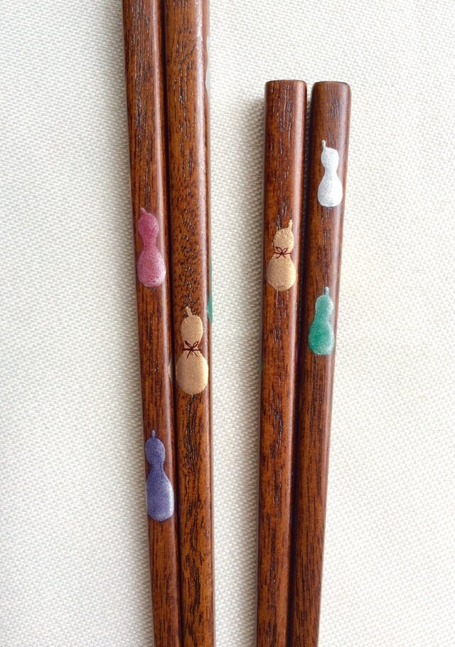 子ども箸 16cm〈摺り漆に六瓢箪の蒔絵〉の画像1枚目