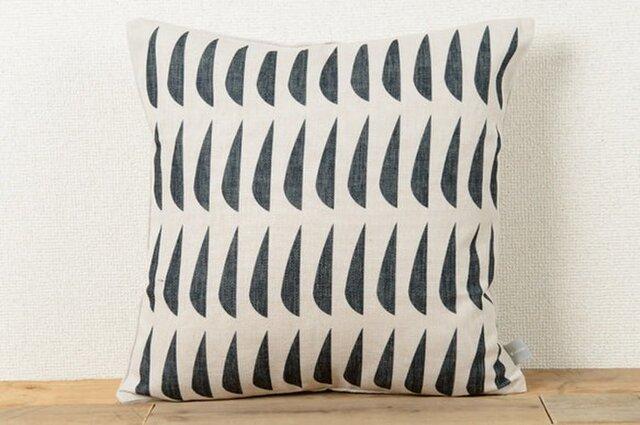 クッションカバー 45×45cm 北欧デザイン 天然リネン ブラックフィッシュjubileecushioncc046ymの画像1枚目