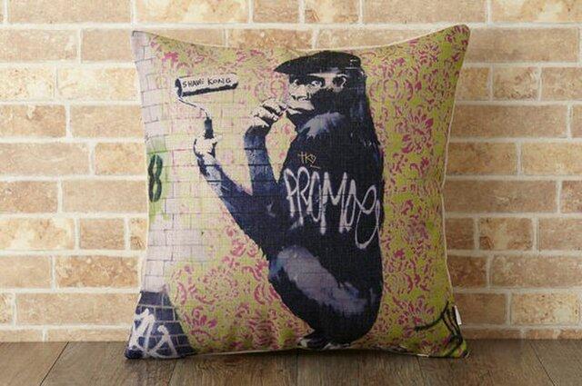 クッションカバー 45×45cm Banksy イギリス 動物 ファンキー ゴリラ jubileecushionba013の画像1枚目