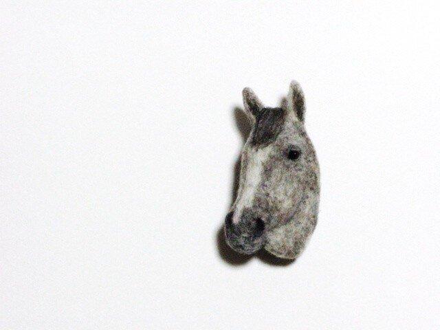 馬のブローチ ラニの画像1枚目