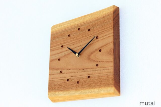 キハダの耳付き板の時計 1の画像1枚目