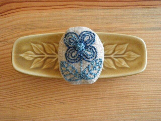 青いお花のブローチ 2の画像1枚目