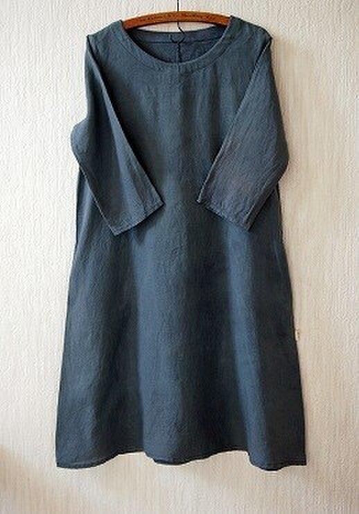 フレンチリネンのAラインワンピース ログウッドと藍の紺染めの画像1枚目