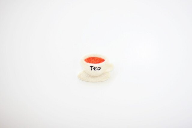 Tea pot brooch・WH(Wonderland展より)の画像1枚目