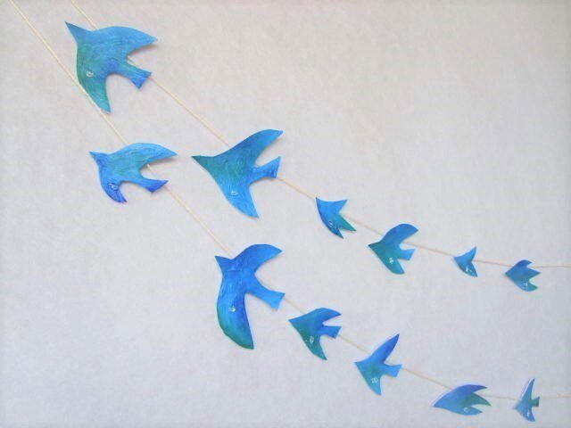 水晶と青い鳥のガーランドの画像1枚目