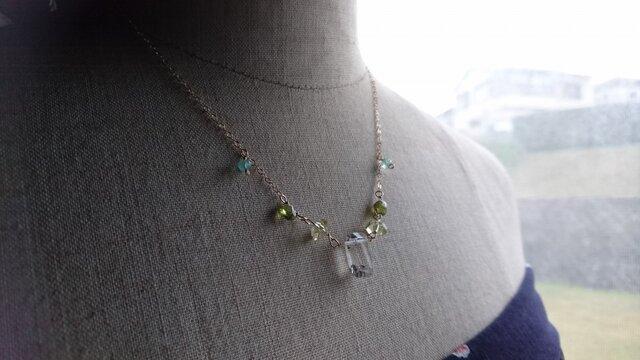 ライトイエロークォーツのネックレスの画像1枚目