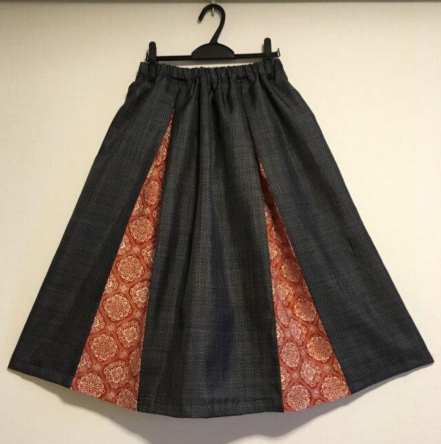 着物リメイク 紺色大島紬と染紬のボックスギャザースカートの画像1枚目