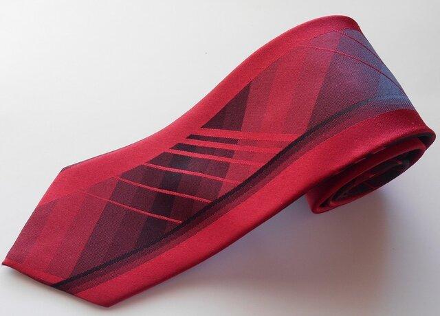 ネクタイバーチカルチェック レッド  シルク(絹)100%の画像1枚目